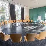 Seminarraum »Berlin« im Rezeptionsgebäude. 132m² für bis zu 80 Personen bzw. geteilt 44m² für 25 Personen