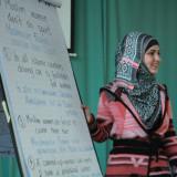 Syrische Kollegin leitet den Workshop über muslimische Frau