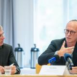 Ralf Finke, Moderator des Pressegesprächs und Hasko Weber, Generalintendant des Deutschen Nationaltheaters und der Staatskapelle Weimar GmbH (v.l.n.r.)